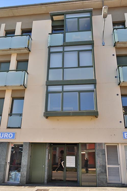 Cerramientos aluminio promoción viviendas Marià Vayreda
